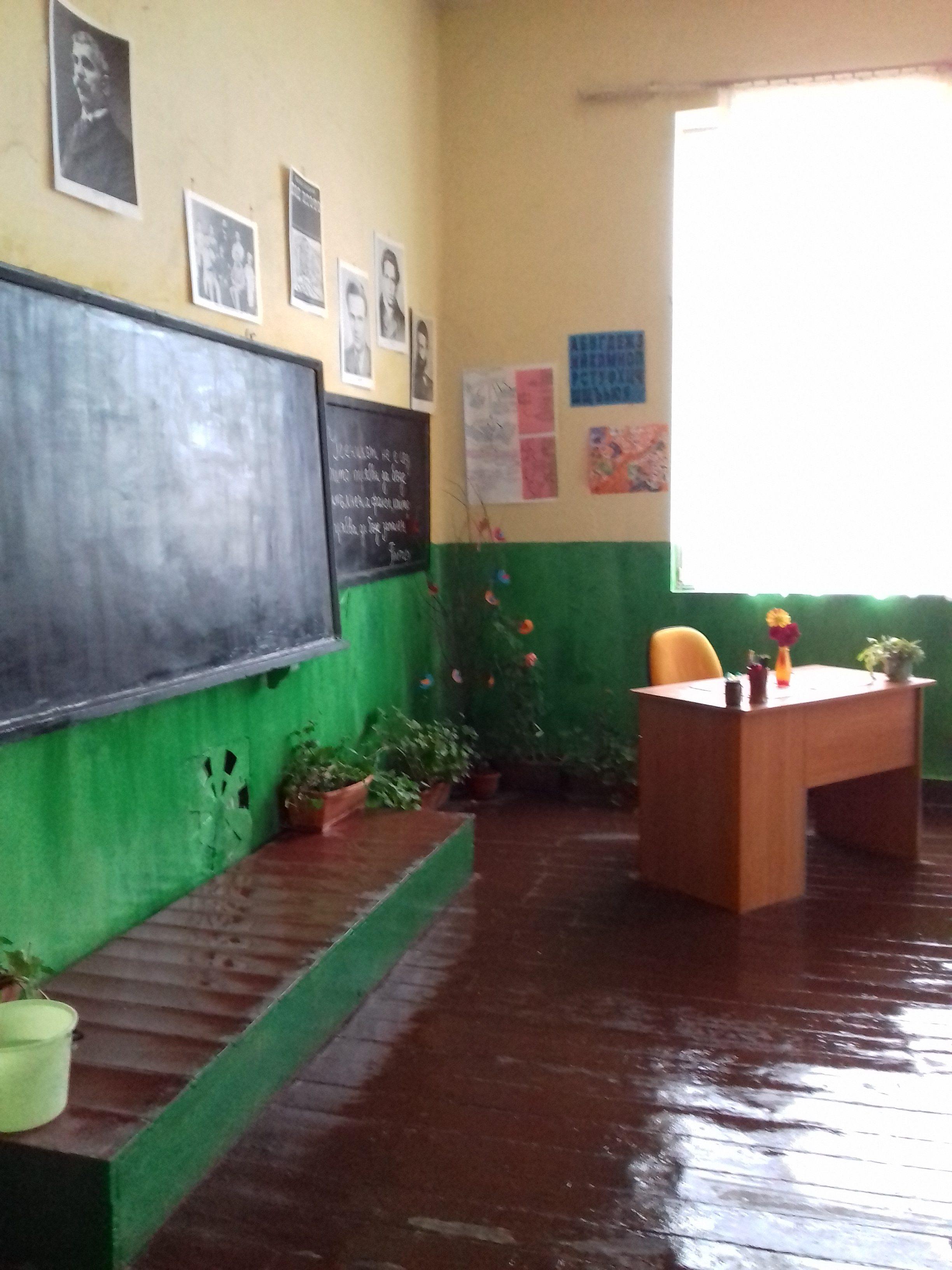 Обновената стая на 5-6 клас с класен ръководител г-жа Коцева
