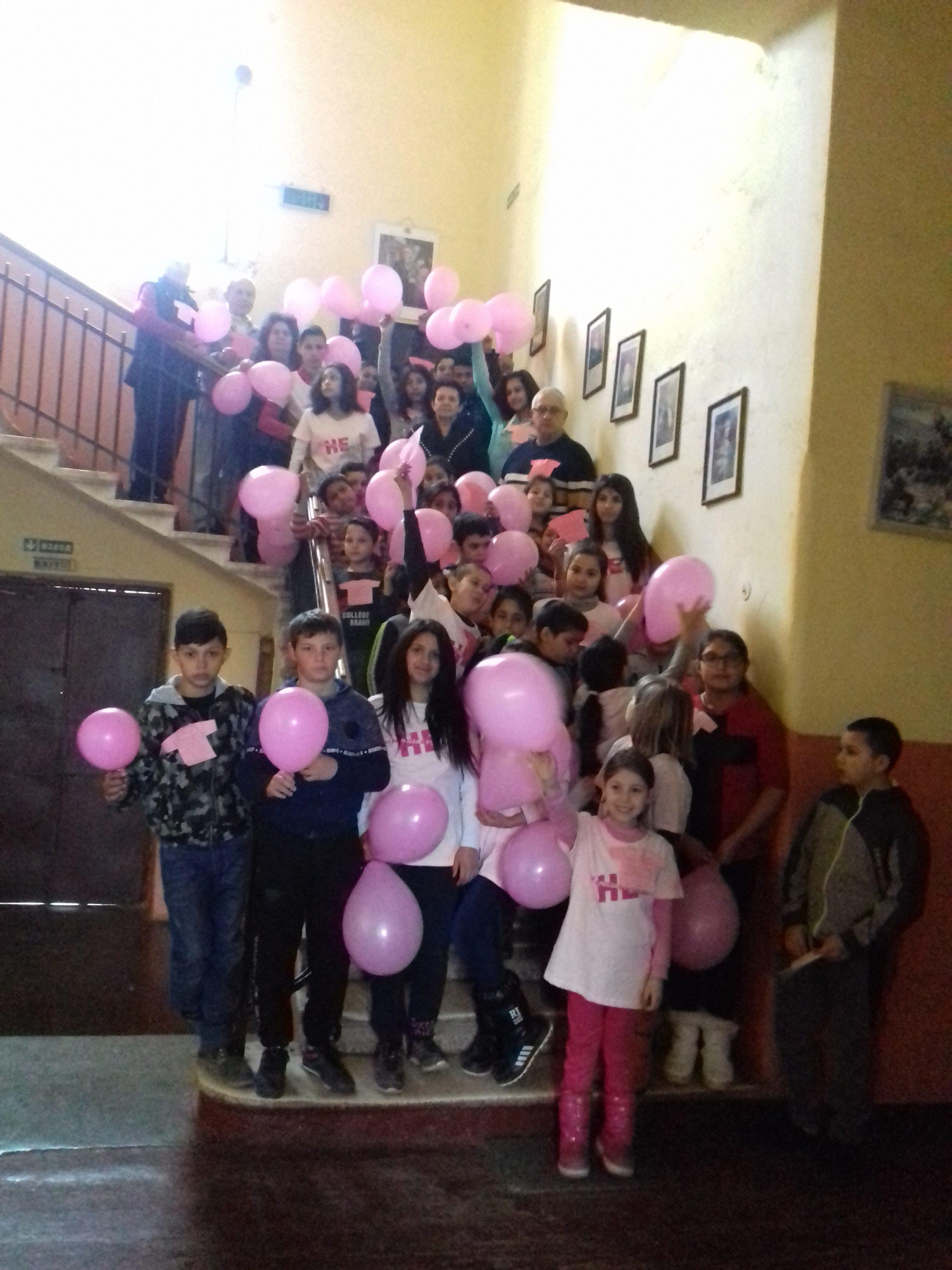 Ден на розовата фланелка - ветовен ден за борба с тормоза в училище