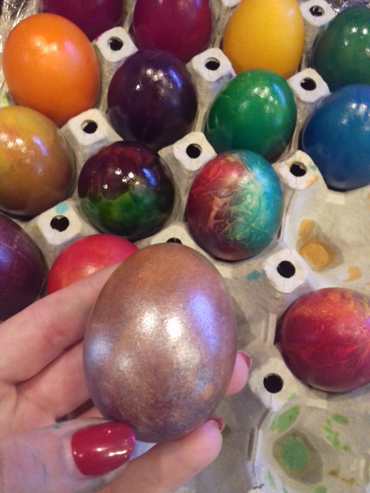 Шарени яйчица от прекрасни деца